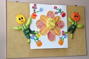 Рад ученика креативне радионице - цвеће и деца